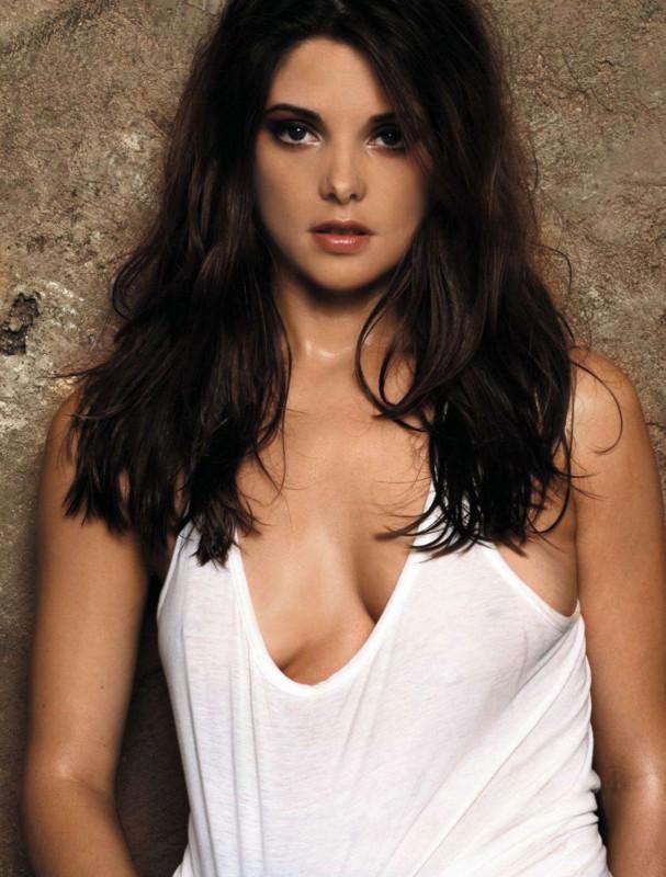 Ashley Greene hot nip slip photo