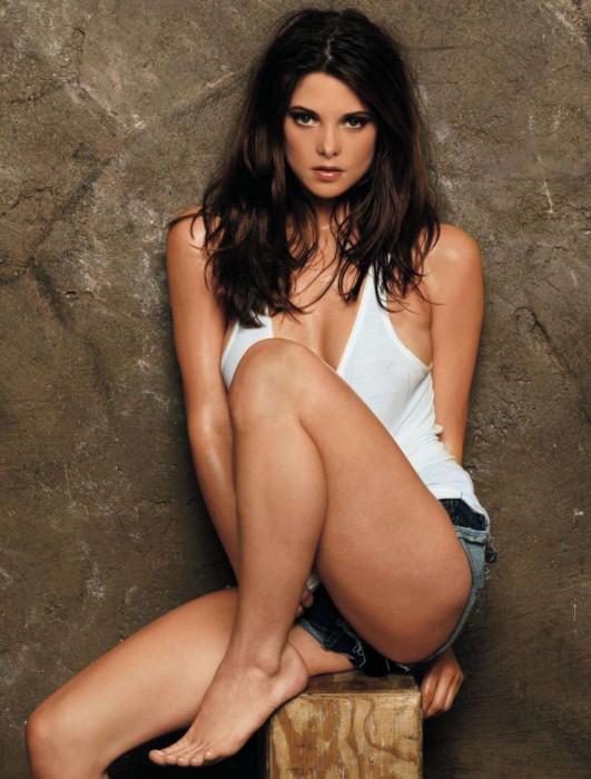 Ashley Greene sexy body