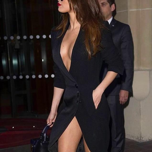 Selena Gomez show her pussy Paris Paparazzi Photo 2016