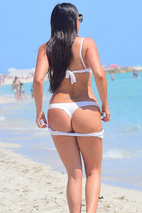 Claudia Romani Sexy Ass photos
