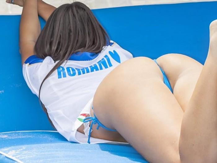 Claudia Romani Sexy Posing