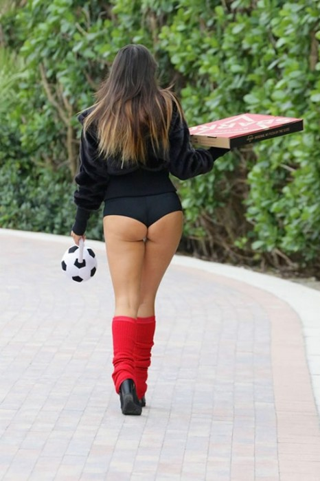 Claudia Romani hot booty