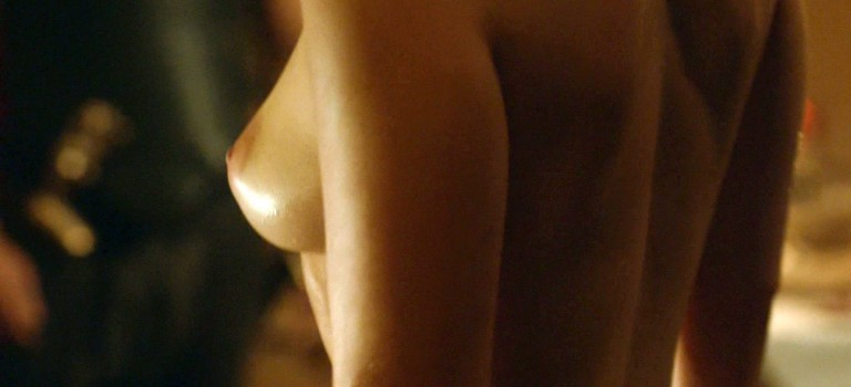 "Emilia Clarke Nude Scenes ""Game Of Thrones"" GIF"