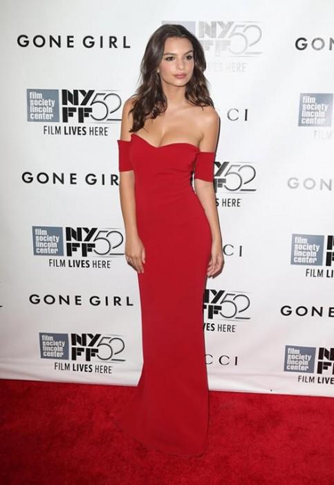 Emily Ratajkowski in red dress pics
