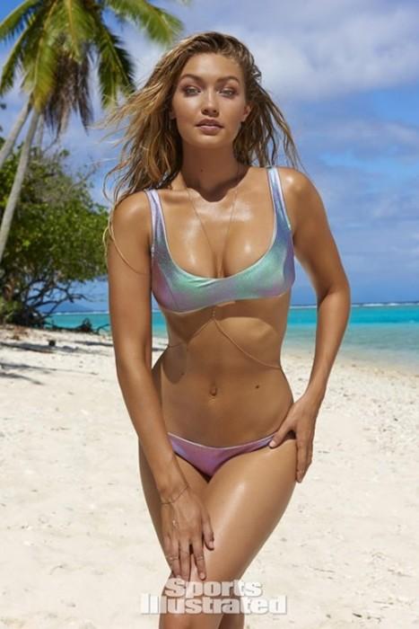 Gigi Hadid Sexy Photos in Bikini