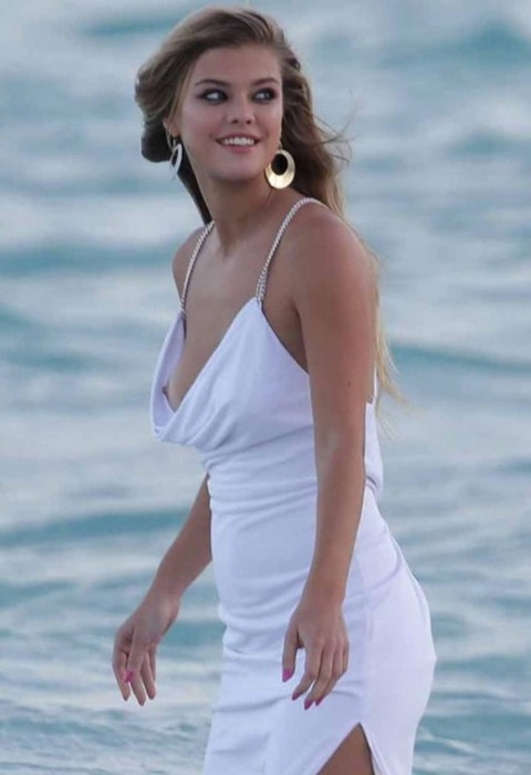 Hot Nina Agdal Nipples in Miami