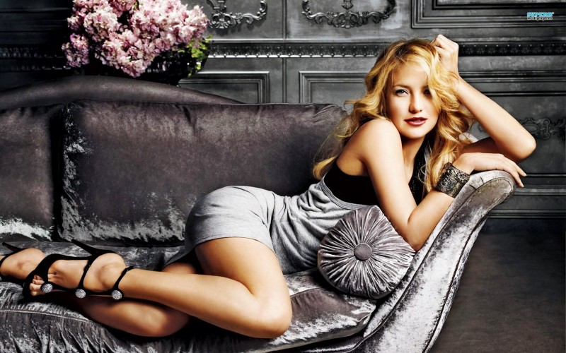 Kate Hudson Hot and Sexy Legs