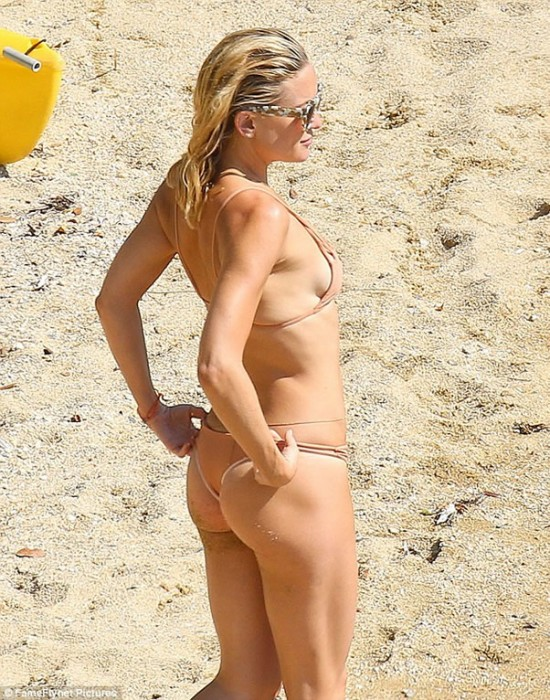 Kate Hudson Nice Body on the Beach Gawaii