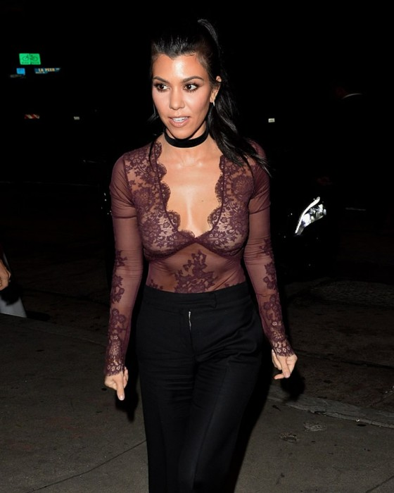 Kourtney Kardashian paparazzi pictures