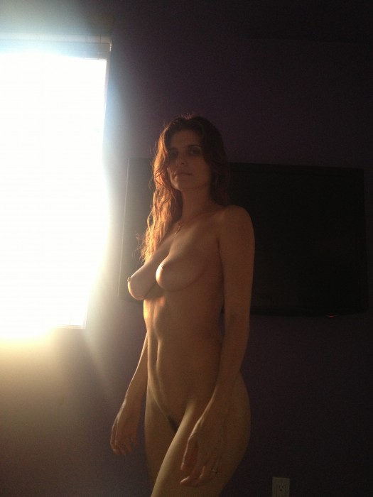 Lake Bell Nude Pussy