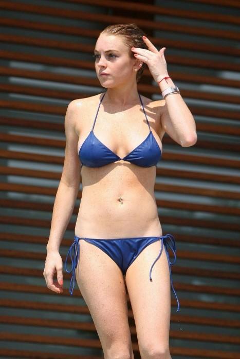 Lindsay Lohan in bikini beach