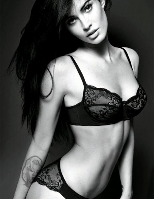 Megan Fox sexy bra and panties