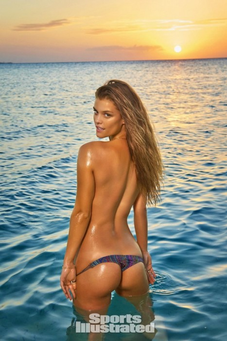 Nina Agdal topless sexy ass
