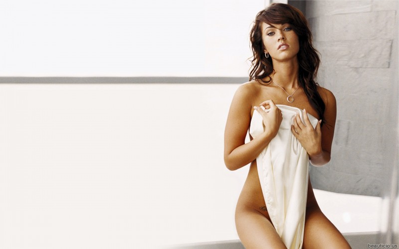 megan fox hot naked wallpapers pictures