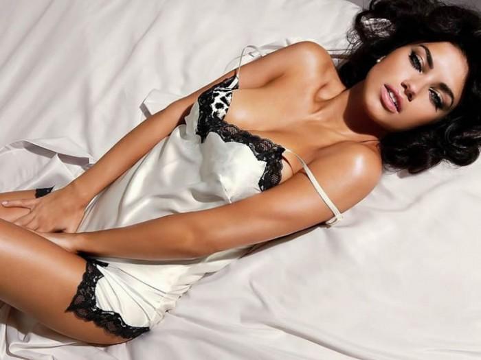 Adriana Lima sexy body