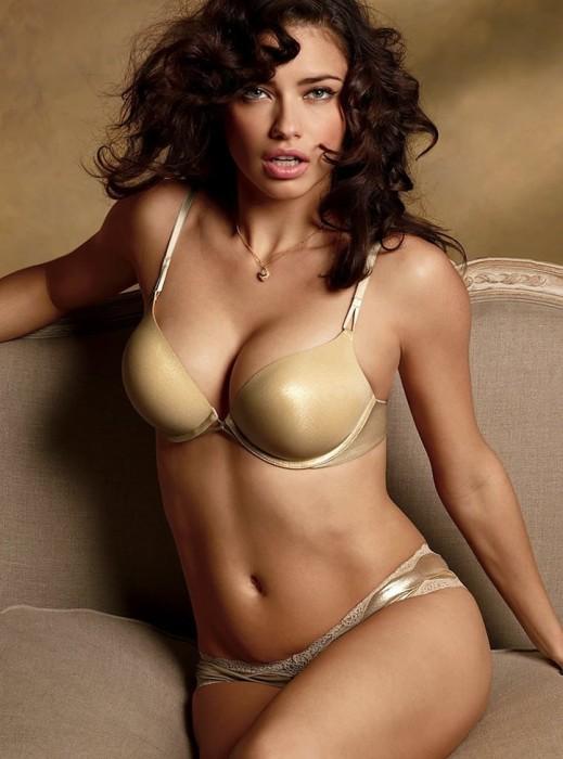 Adriana Lima sexy boobs