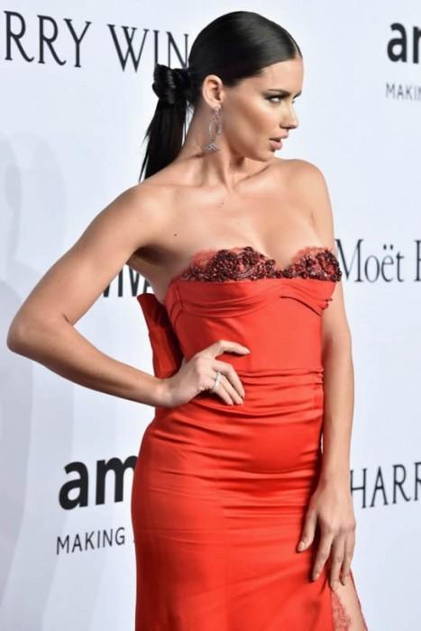 Adriana Lima sexy pics