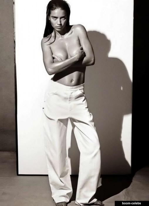 Adriana Lima topless