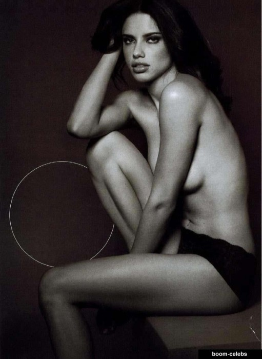 Adriana Lima topless photo