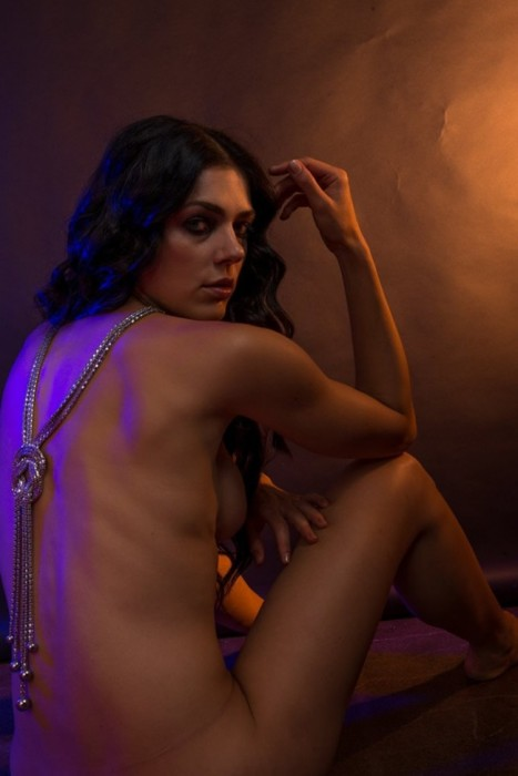 Adrianne Curry Naked Photoshoot sexy body