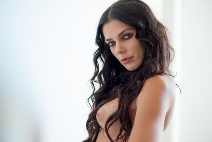 Adrianne Curry Nip slips