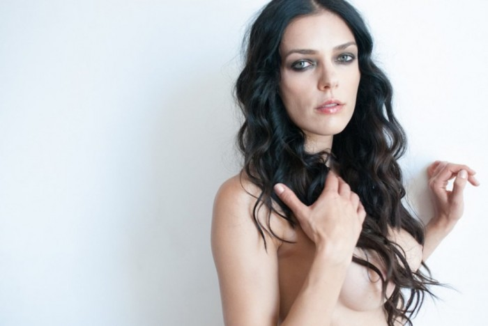 Adrianne Curry Sexy Boobs Photoshoot