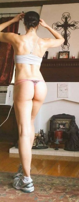 Adrianne Curry hot booty