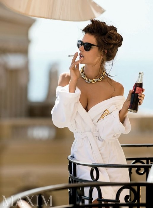 Alessandra Ambrosio Hot Pics