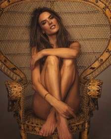 Alessandra-Ambrosio-Sexy-Naked