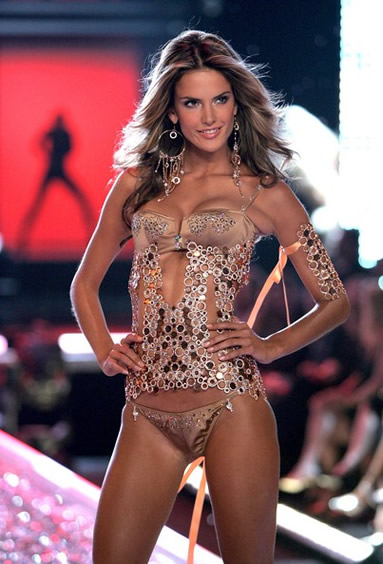 Alessandra Ambrosio Victoria Secret Fashion Show