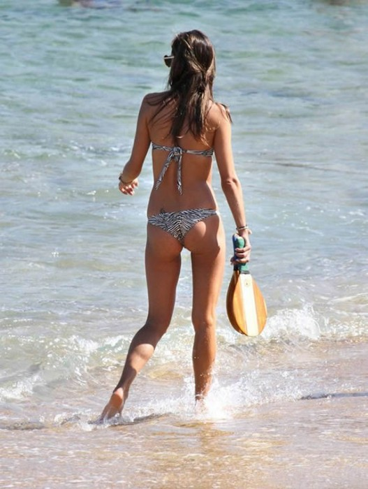 Alessandra Ambrosio in hot bikini