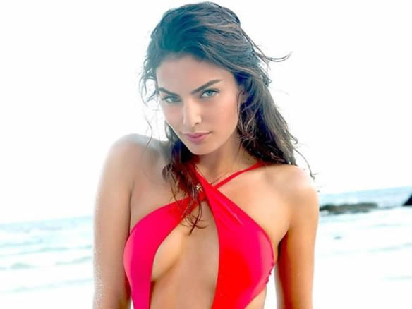 Alyssa Miller sexy boobs