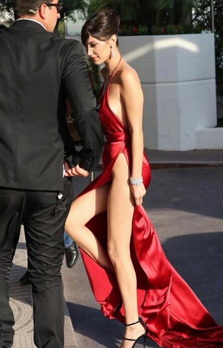 Bella Hadid sexy legs