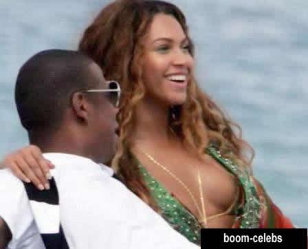 Beyonce upskirt paparazzi photo