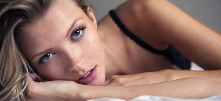Erin Cummins Hot and Sexy (22 Pics)