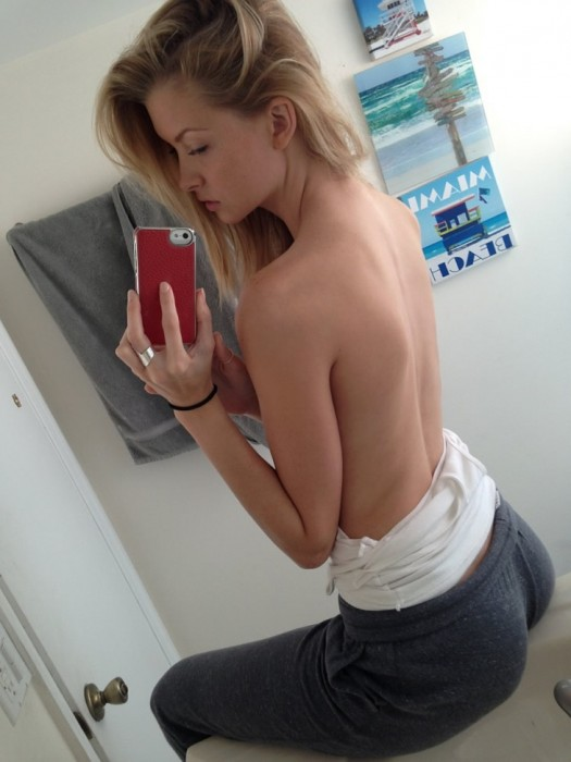 Erin Cummins topless