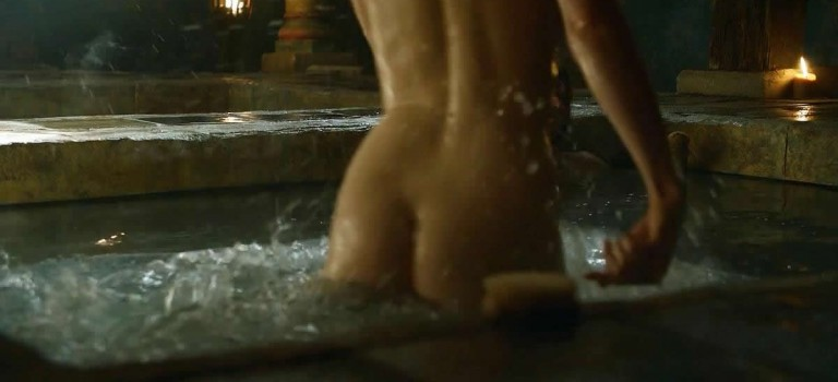 Gwendoline Christie Game of Thrones hot scenes (8 Photos)