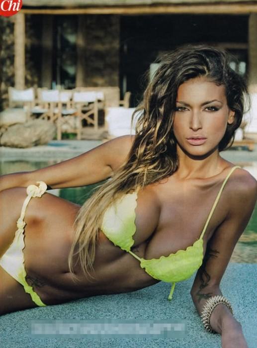 Hot Cristina Buccino