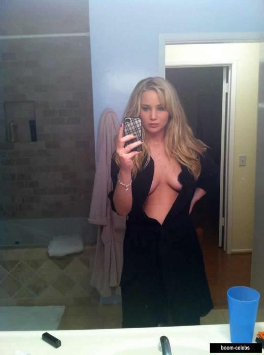 Jennifer Lawrence hot selfie