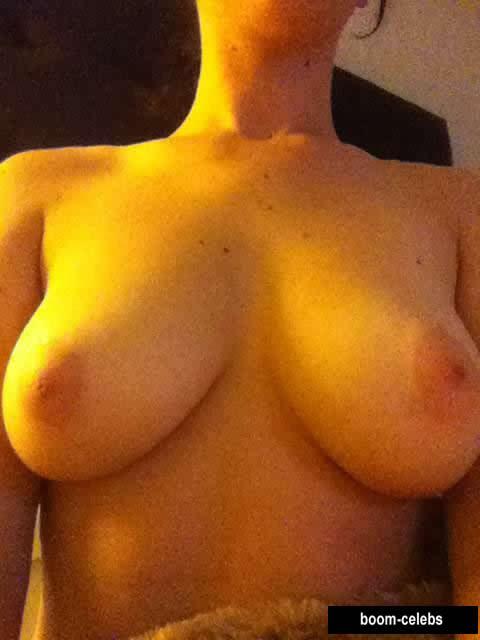 Jennifer Lawrence tits photo