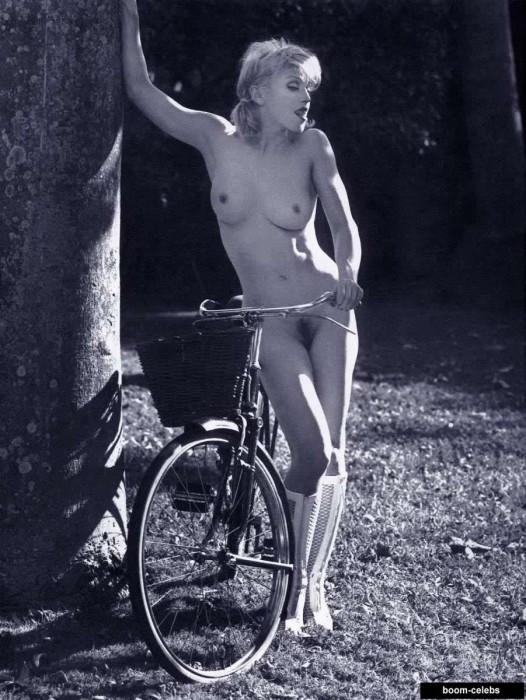 Madonna full naked
