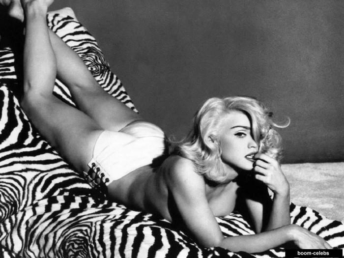 Madonna topless pics
