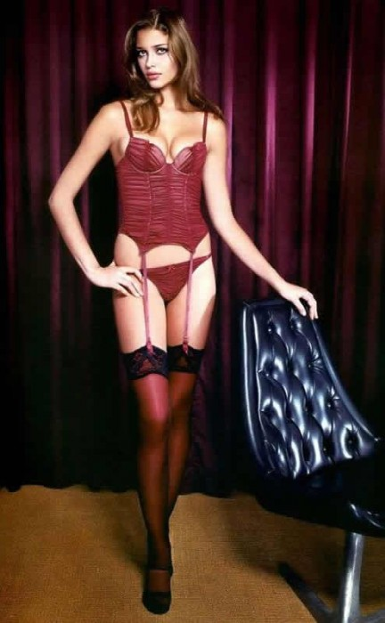 sexy-ana-beatriz-barros-in-pleated-burlesque-lingerie