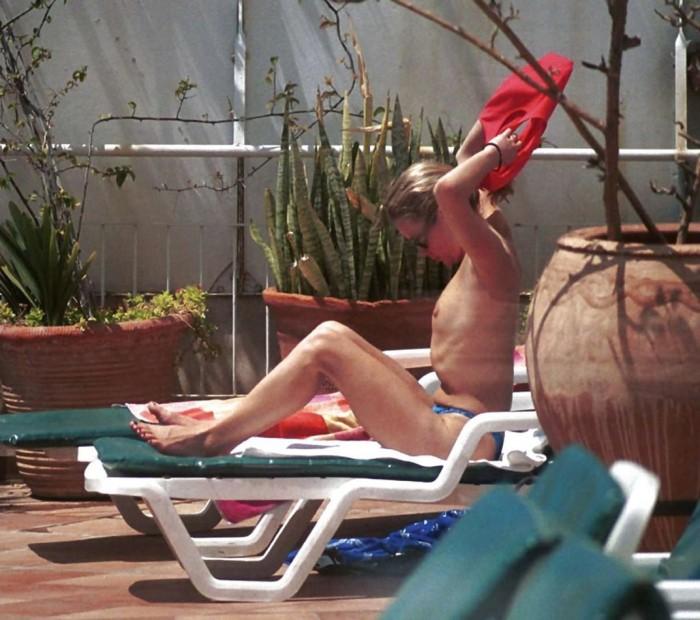 Amanda Holden Topless