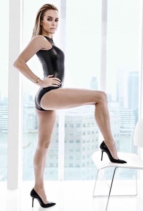 Amanda Holden sexy legs