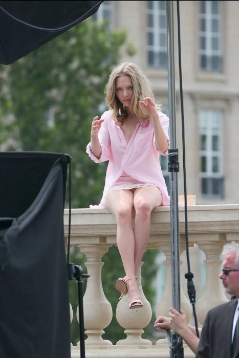 Amanda Seyfried Forgot Her Panties on a Photo Shoot