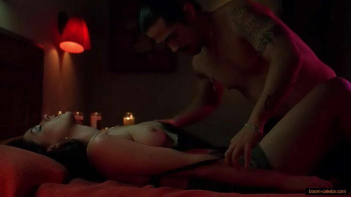Anne Hathaway sex scenes photo