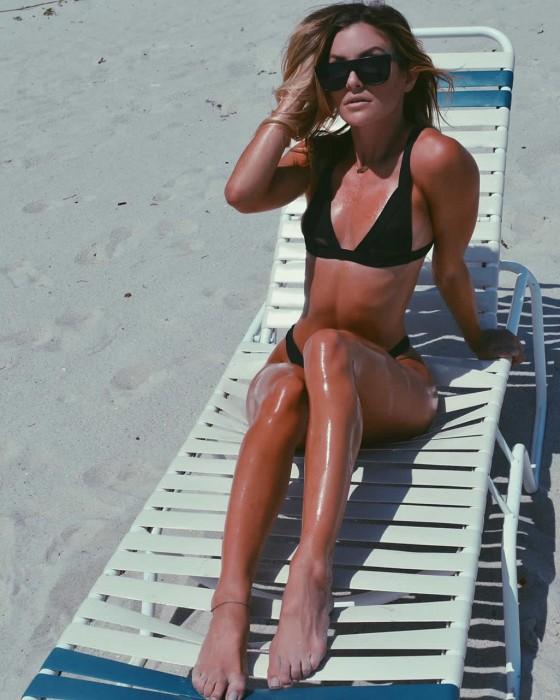 Casi Davis hot bikini body