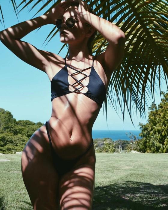 Cassandre Davis hot bikini