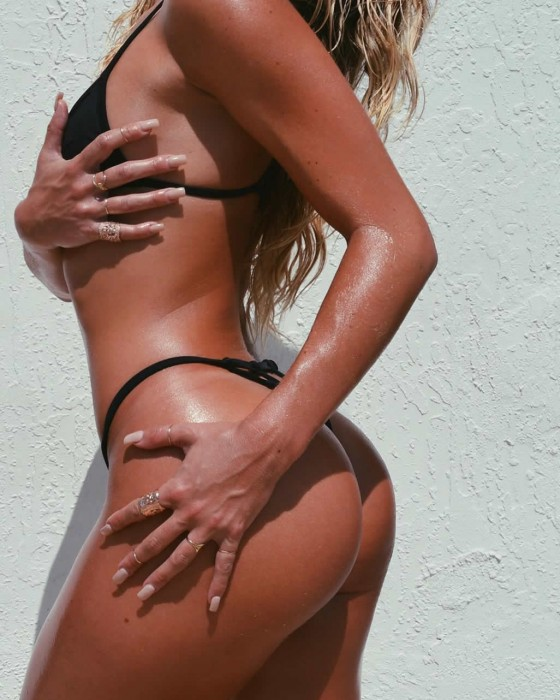 Cassandre Davis hot booty